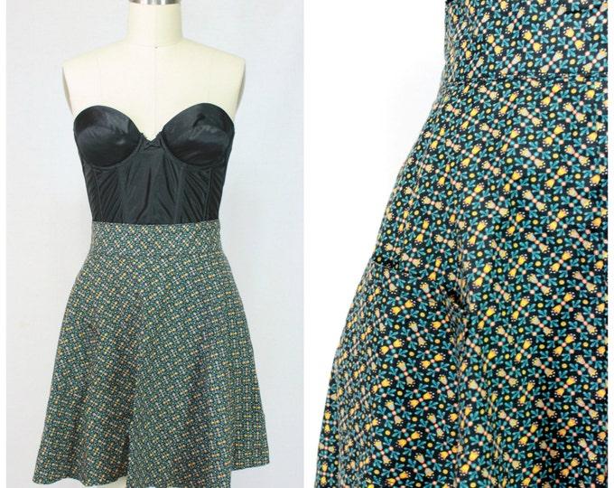 Vintage Apron / Vintage Pinup Skater Skirt / Vintage High Waisted 50s Apron / Sexy Vintage Skater Skirt Apron / Pocket Skater Skirt Apron