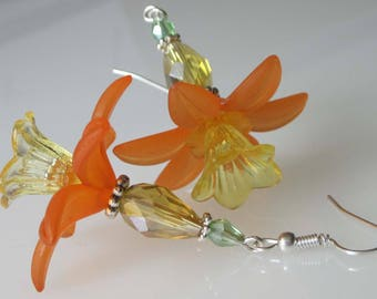 Flower Earrings, Crystal Daffodil, Fall Wedding, Lucite Flower, Handmade Jewelry, Beaded Crystal