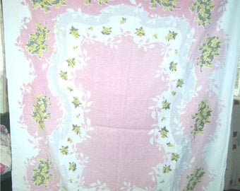 1950s PRINT KITCHEN TABLECLOTH - Yellow Nose Gays