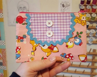 Last one -- Fawn and friends bibbed pouch