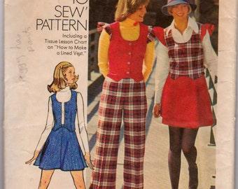 Vintage 1973 Simplicity 5852 Ladies skirt, pants, and vest pattern Size 10