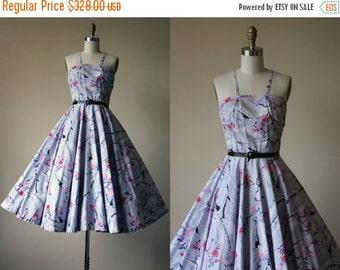 ON SALE 1950s Dress - Vintage 50s Dress - RARE Novelty Print Great Wall of China Full Circle Skirt Cotton Sundress Xs - Seven Wonders Dress