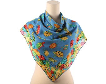 TURTLE LOVERS Scarf 90s Silk Crepe Vivid Turtles Printed Colorful Neckerchief Blue Red Yellow Shawl 33 in Rolled Edges Girlfriend Gift