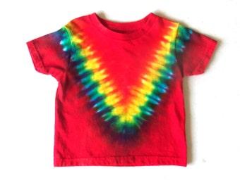 Toddler Boy's Tie-dye T-shirt, Size 2T, scarlet & rainbow V