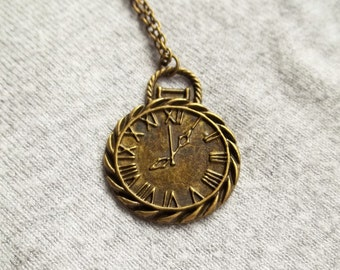 Clock Face Necklace, Round Clock, Alice in Wonderland, Steampunk Necklace