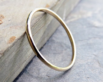 1.5mm Simple Thin Gold Wedding Band - Traditional Wedding or Promise Ring in Solid 14k, Choose High Polish or Matte - Half Round Ring
