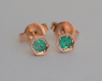2.75mm Hexagon Stud Earrings in 14 K Rose Gold with Colombian Emerald