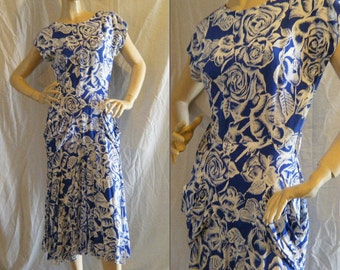 Vtg 1980s does 30s style Maxi dress with ruching at pockets and Buttons up back Small Medium