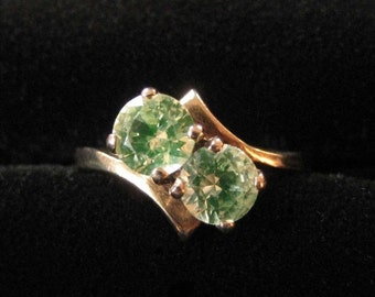 10K Solid Gold Synthetic Spinel Ring, Size 7.5, Yellow Green Stone