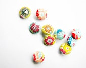 10 Small Fabric Covered Buttons - Floral - Fabric Pressed Buttons