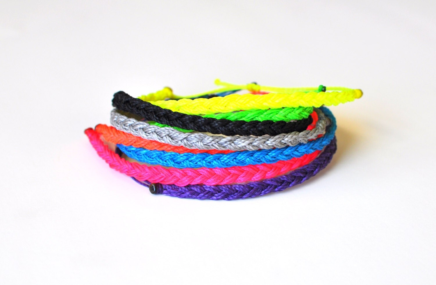 braided string bracelets - photo #4