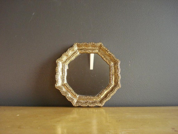Pretty gold mirror small ornate framed vintage mirror tiny for Small gold framed mirrors