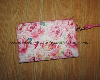 "Wristlet Clutch ""Sweetheart"" Roses - Ready to Ship"