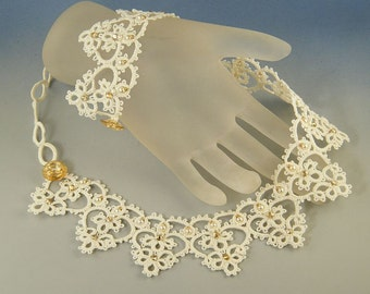 Regina di cuori , tatted collar OOAK