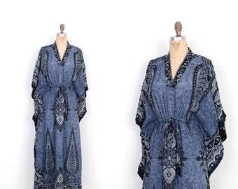 Vintage 1970s Dress / 70s Cotton Batik Print Caftan Maxi Dress / Blue (S M L)