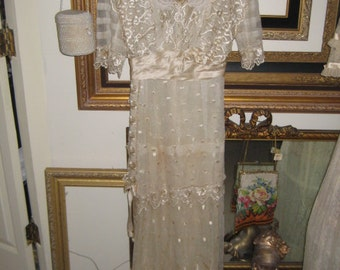 Antique Victorian/1910's Lace Dress/Weddng/Bridal/Display Dress