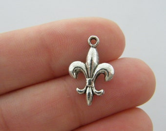 BULK 50 Fleur de lis charms antique silver tone WT128