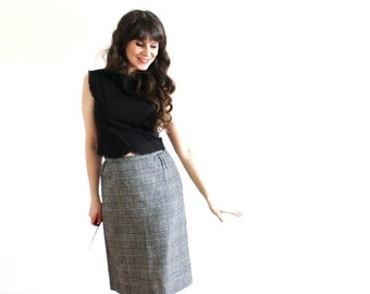 ON SALE Vintage Houndstooth Skirt / 1960s Black and White Plaid Wool Pencil Skirt