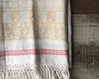 Antique damask pulled thread linen towel biege red ivory cottage home country living