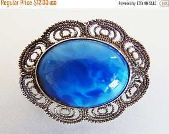ON SALE Pretty Vintage Marbled Glass Cabochon Silver Filigree Brooch