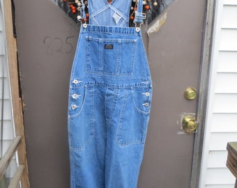 Jordache vtg denim blue jean bib overalls /  school girl big girl / timeless vintage 70s 80s fashion  / hipster country clothes sz 13-14