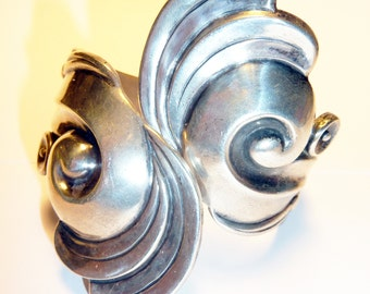 Antique Mexican Signed Gerardo Lopez from Taxco . . . 925 Sterling Repousse Cuff / Bracelet