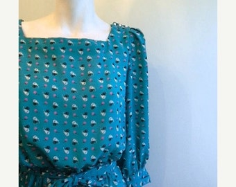 ON SALE vintage. 70s Turquoise Short Dress /  S  to M