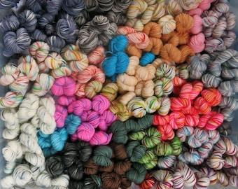 Random Mix mini skein pack / hand painted yarn / hand dyed 4 ply sock wool / sock yarn / hand dyed / sock blanket yarn / yarn babies