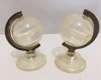 Out of This World Clear Globe Salt and Pepper Shakers Plastic and Metal Vintage Mid Century Modern Collectible MCM Geography World History