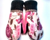 Etsy mittens, sweater mittens, recycled sweaters, pink, women's mittens, fleece lined mittens, felted wool mittens, etsy sweater mittens