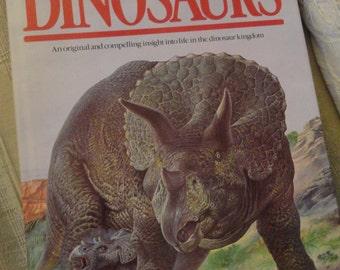 DINOSAUR Encyclopedia Fabulous Illustrated