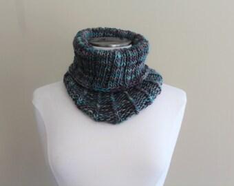Brown Green Chunky Knit Cowl,  Knit Wool Neckwarmer,  Wool Knit Cowl for Men Women, Infinity Scarf Green and Brown, Chunky Ribbed Cowl Knit