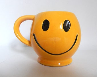 Vintage 1970's McCoy Pottery Smiley Face Mug