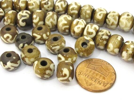 10 BEADS - Tibetan mala making Om etched brown bone beads 10 mm size - HB062A