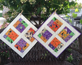 """QUILTED HALLOWEEN TABLEMAT, 19"""" Square, Traditional Halloween Fabric, Disappearing Nine Patch, Scrappy Quilt, Halloween Decoration, Handmade"""