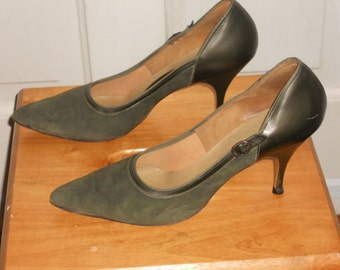 Vintage Smartaire Green Suede Pumps/Heels