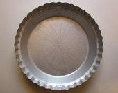 vintage DEEP DISH PiE TIN - WearEver - fluted edges - great for pumpkin pies, pot pie