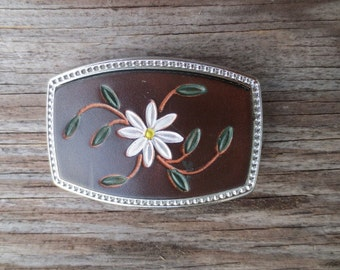 Leather Belt Buckle with Daisy