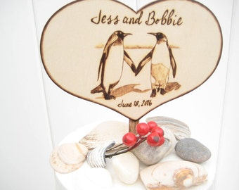 Winter Wedding Cake Topper Penguin Couple, Rustic wedding, Wood Anniversary Gift, Unique wedding gift, Love bird, Personalizable, PYROGRAPHY