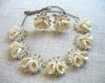 Vintage Flower Necklace ~ Plastic & Rhinestone Flower Necklace and Earring Set ~ Cream and White ~ Screwback
