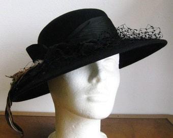 Vintage 50s Black Wool Felt Feathers & Netting Film Noir Fedora Chapeau Hat