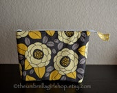 READY TO SHIP Large Yellow and Gray Flower Essential Oil Travel/Carrying Bag