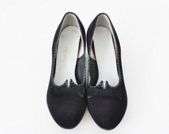 sale // Vintage 50s Red Cross Shoes - Black Heels - Women 6.5 Narrow, Suede Feel