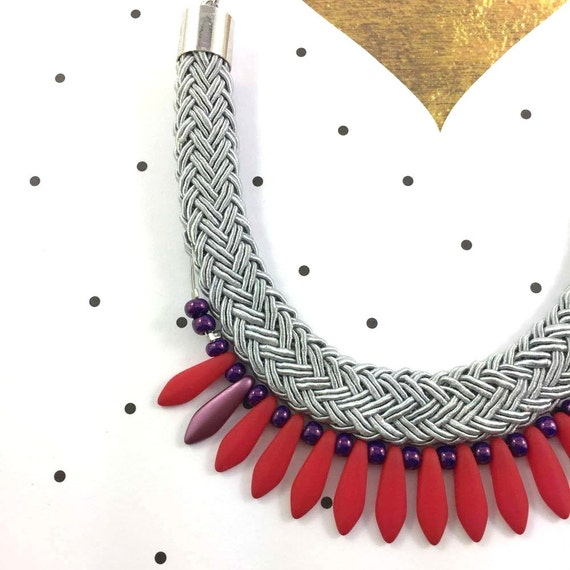 Ajustable, magnet, necklace, short or long, on chain with red, purple, black beads and on gray braided polyester cord
