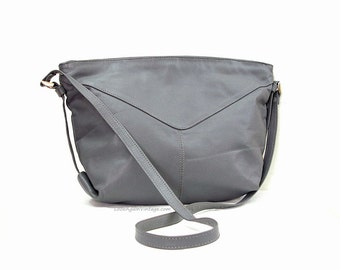 Vintage 1980s Handbag Gray Leather Bucket Shape Purse Bag
