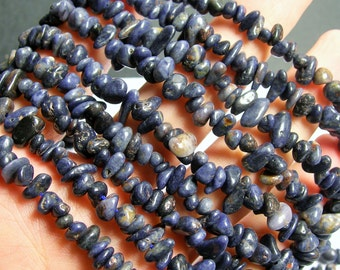 Sapphire gemstone - bead - full strand - pebble - chip stone - Blue Sapphire - PSC221