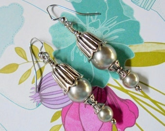 Silver Pearl Earrings (2689)