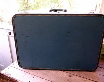 Vintage Large Blue Suitcase inside and out Perfect for Storage Projects Weddings or your Next trip Mesures 26 x 17 x 8 1/2""