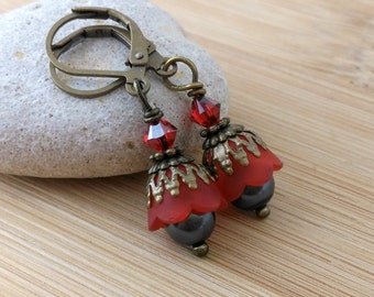 Red Lucite Flower and Black Pearl Earrings. Blood Red Earrings. Antique Brass. Petite Red Earrings. Lucite Flower Jewelry. Gothic.