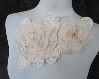 Cute embroiderd  chiffon  flower    applique    ivory color 1 pieces listing